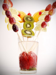 wide fruit into a glass