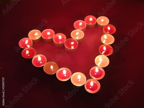 Rosa Herz aus Teelichtern