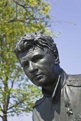monument to the actor of leonidu bykovu
