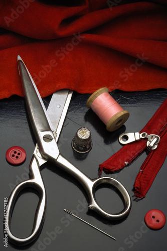 ...заказать и ремонт сумок в москве - куда же без этих незаменимых...