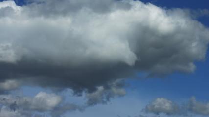 Secuendia de nubes cumulonimbos