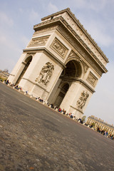 Arc de Triomphe, angled, from ground, with no traffic