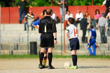 inizio partita di calcio