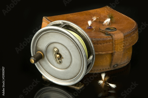 Fly reel & leather case