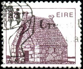 Eire. Maison de pierre. Timbre postal.