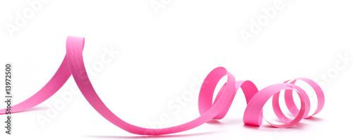 Leinwanddruck Bild image d'un ruban de cadeau rose détouré sur fond blanc