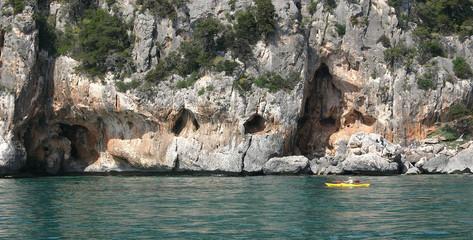 Kayak tra i grottoni di Cala Luna - Sardegna