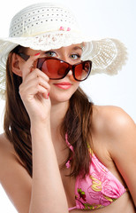 woman in sunglasses in hat
