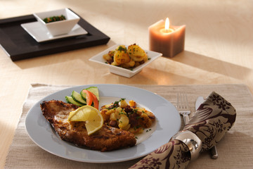 Catering Schweineschnitzel mit Bratkartoffeln