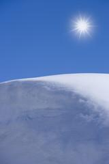 Schneewehe, Oetztal, Tirol, Gegenlicht