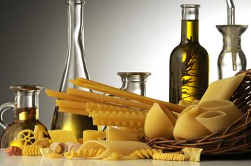 Olio e pasta italiana