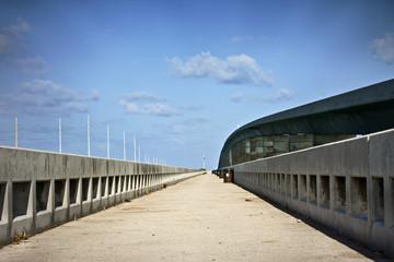 Infinite bridge