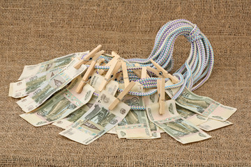 Linen cord with denominations and clothespins