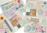 Nombreux visas sur des passeports