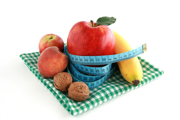 On diet - fresh fruits and tape measure