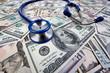 Kosten für Gesundheit, Stethoskop und Dollar Geldscheine