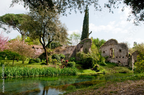 Giardini e rovine di ninfa by photonaka royalty free for Giardini di ninfa unesco
