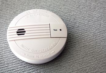 Détecteur de fumée - mur blanc