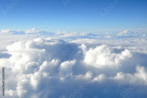 En vol au dessus des nuages