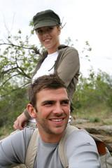 jeune couple en rando