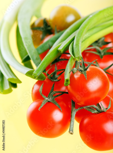 Cherry Berry Tomatoes with onion