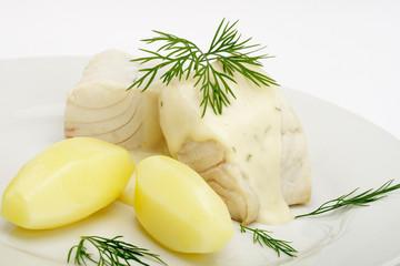 Seelachsfilet Dillsoße, Salzkartoffeln