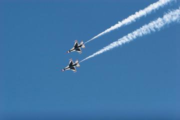 F16 thunderbird planes at airshow