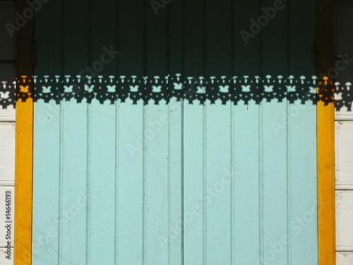 ombre et silhouette de lambrequins créoles