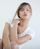 posture et visage de femme zen poster