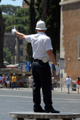 vigile urbano a Roma 2
