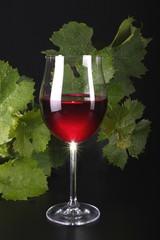Rotweinglas mit Rotwein