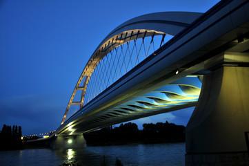 Brücke in Nacht - Bratislava