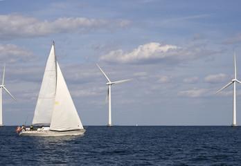 Segelschiff im Offshorepark