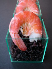 Prawns with black rice