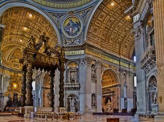 Papstaltar im Petersdom