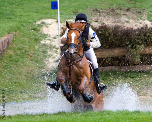 Foto op Plexiglas Paardensport Horse Trial Water Obstacle