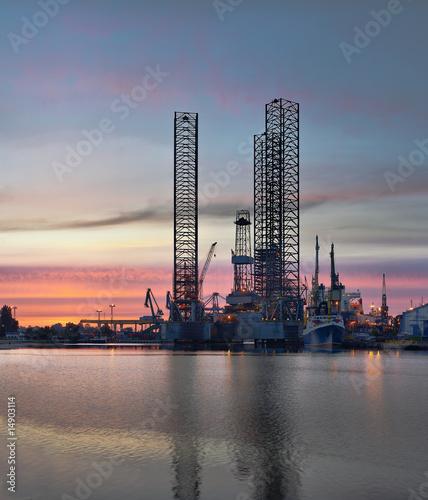 Oil Platform © Nightman1965