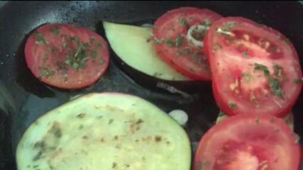 auberginen und Tomate