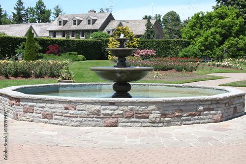 Leinwanddruck Bild garden fountain
