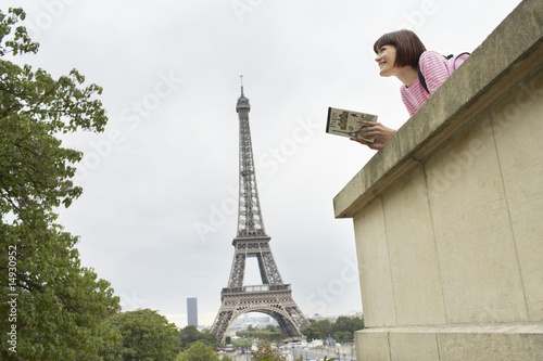 Tourist Sightseeing and Eiffel Tower