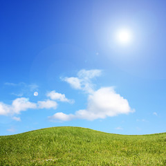 Hügel im Sommer