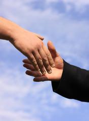 les mains et le ciel