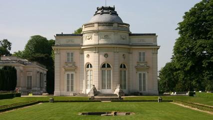 pavillon dans le parc