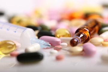 Medikamente, Pillen und Medizin