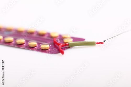 Leinwanddruck Bild Antibabypille und Spirale, Verhütung