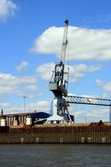 Hafenkran an den Docks