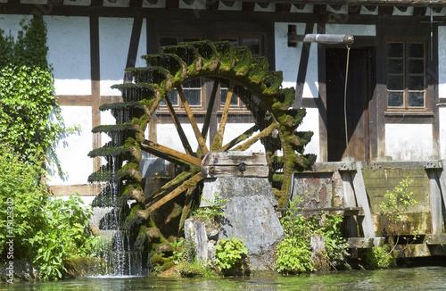 Das Wasserad der Hammermühle am Blautopf - 15123302