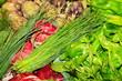 Schnittlauch, Artischocken, Basilikum, Salat, Marktstand