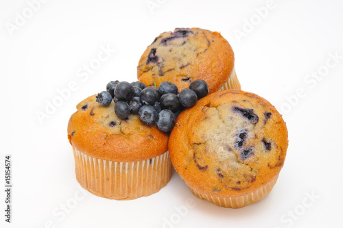 Blueberry muffins with fresh blueberries - 15154574
