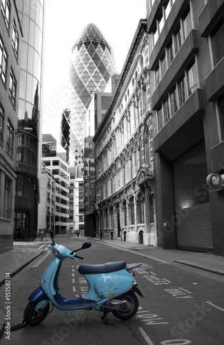 London - scooter and swiss re tower - 15158704